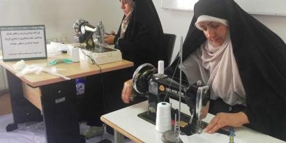 تولید روزانه 1000 ماسک در کارگاه تولیدی ماسک سپاه بندرگز + تصاویر