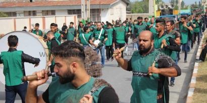رسم بندرگزیها در تاسوعا / گزارش تصویری